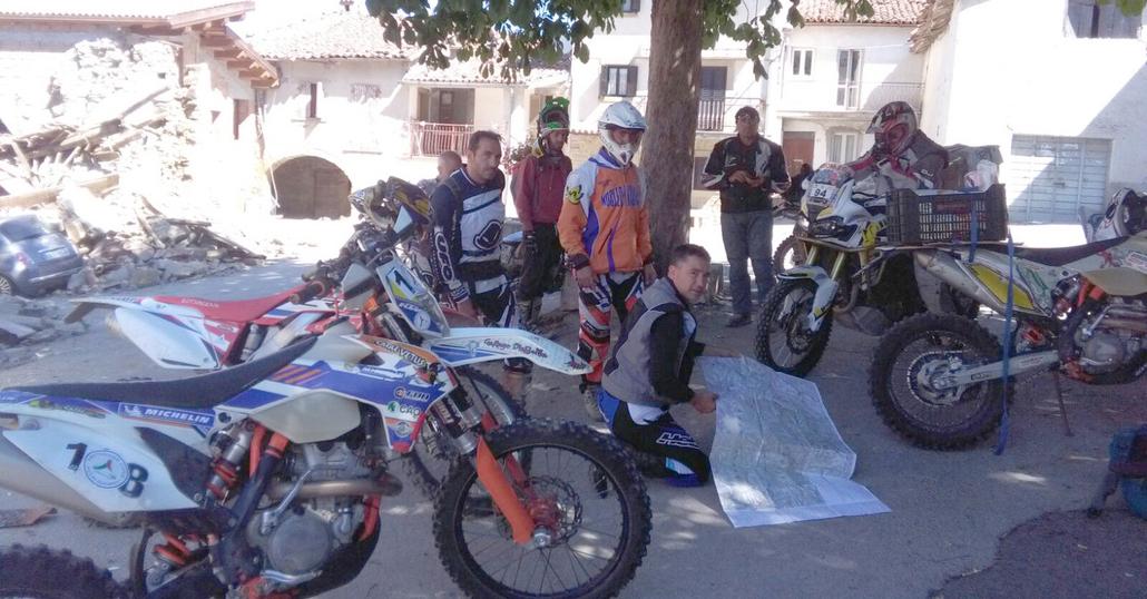 Motociclisti nel terremoto, i volontari su due ruote
