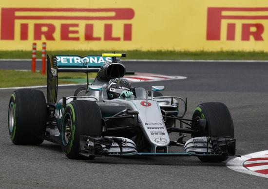 F1, Gp Giappone 2016: vince Rosberg. Mercedes campione del mondo costruttori