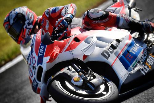MotoGP. Le foto più spettacolari del GP del Giappone (9)