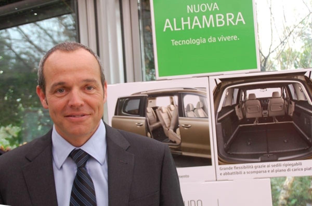 seat alhambra vis vis con louis carl vignon news. Black Bedroom Furniture Sets. Home Design Ideas