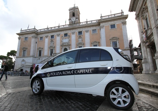 Citroen: consegnate 14 C-Zero a Roma Capitale