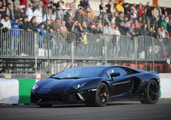 Lamborghini Aventador: nata per le corse