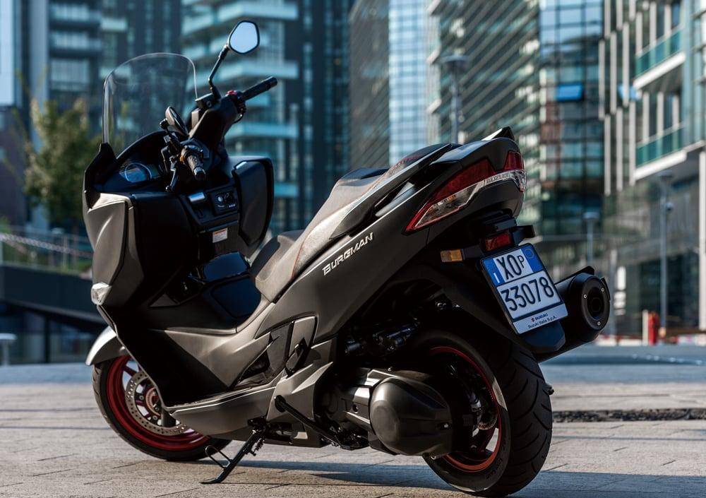 Suzuki Burgman 400 (2017 - 19) (5)