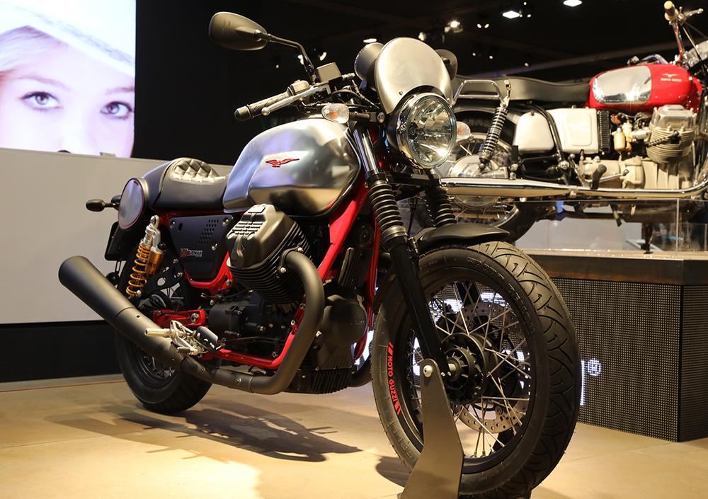 moto guzzi v7 iii racer (2017), prezzo e scheda tecnica - moto.it