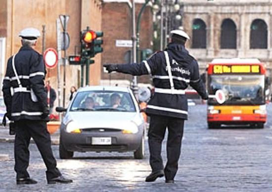 Roma: da dicembre a marzo tornano i blocchi del traffico alla domenica. Ecco il calendario