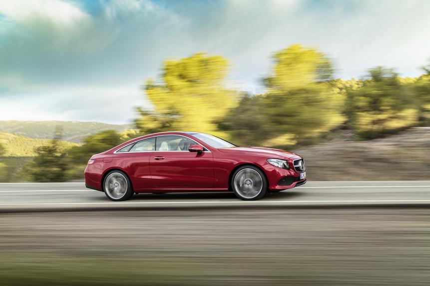 Nuova Mercedes Classe E coupé 2017: eccola in abiti sportivi. Arriva a Detroit [Video] (4)