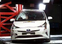 Toyota Prius, Hyundai Ioniq e Volkswagen Tiguan le migliori del 2016 per Euro NCAP [Video]