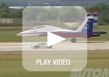 Lamborghini Huracán vs jet da combattimento: chi vincerà? [video]