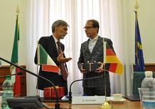 Diesel FCA, Delrio risponde a Dobrindt: «Non si danno ordini a un paese sovrano»