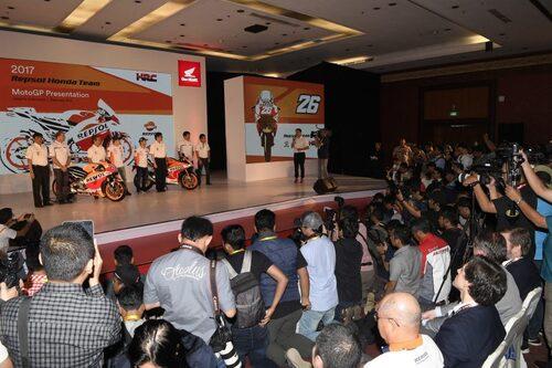 MotoGP. Presentato in Indonesia il team HRC 2017 (4)