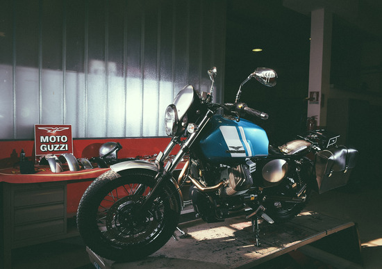 Moto Guzzi Garage,  la speciale officina dedicata alla V7