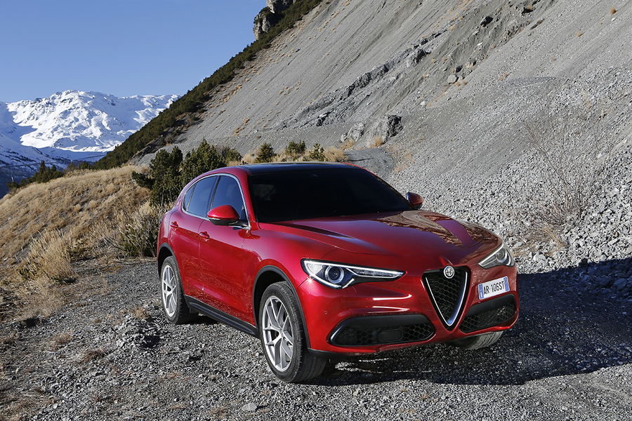 alfa romeo stelvio stelvio 2 2 turbodiesel 210 cv at8 q4 executive 02 2017 prezzo e scheda. Black Bedroom Furniture Sets. Home Design Ideas