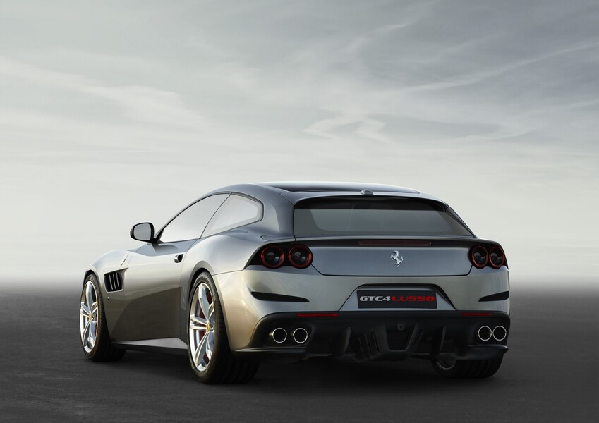 Ferrari GTC4Lusso Coupé (5)
