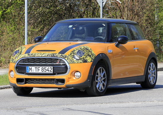 MINI 2018 Facelift: new images