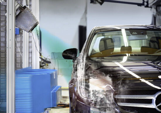 Mercedes, raggi X nei crash test